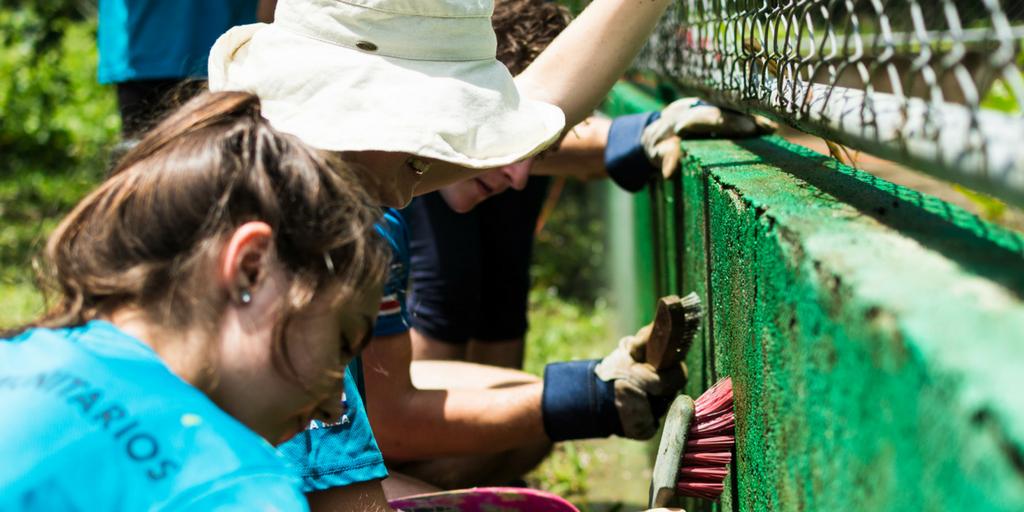 teen volunteers working abroad in Costa Rica   donate or volunteer
