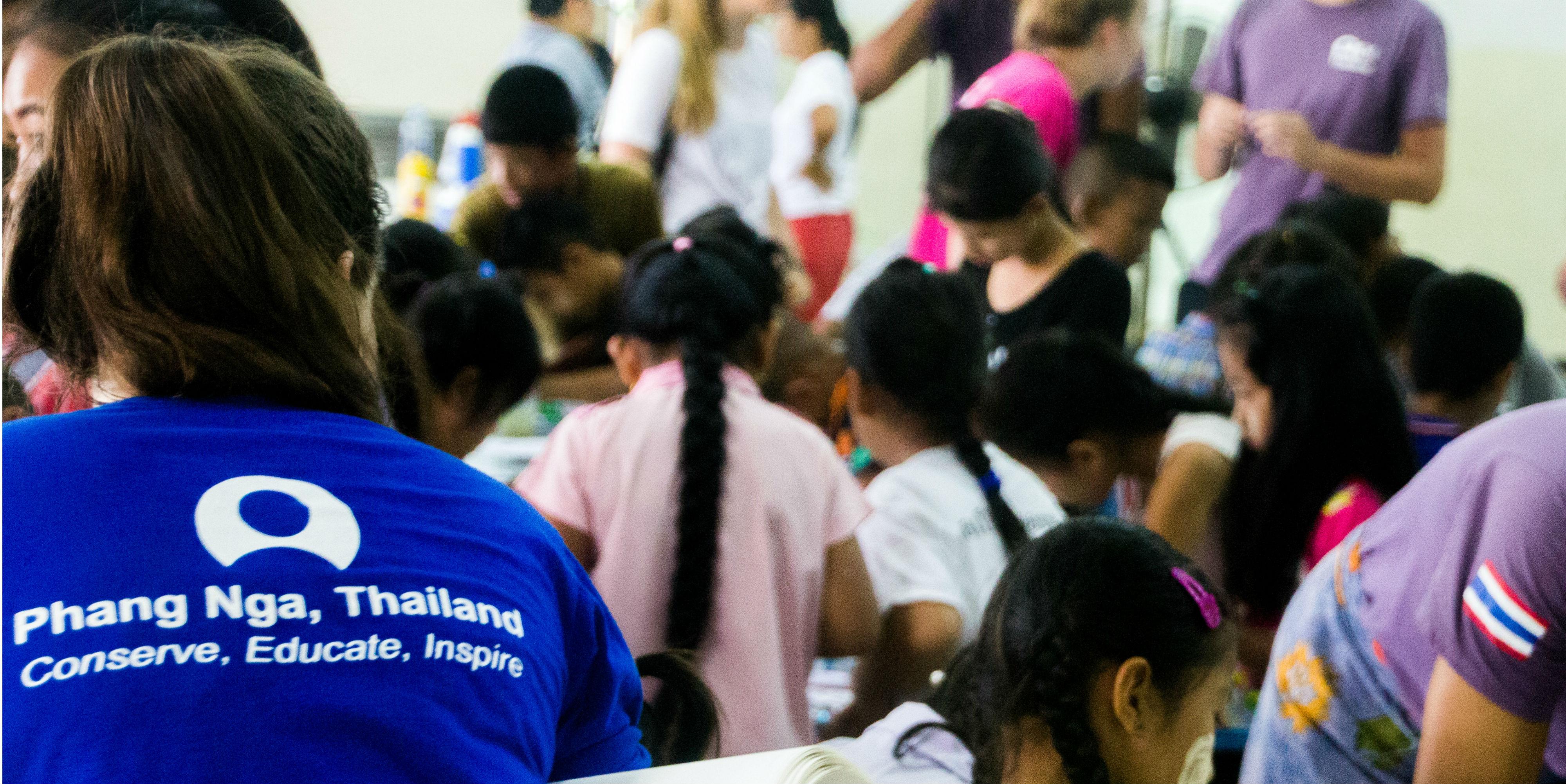 teen volunteering abroad