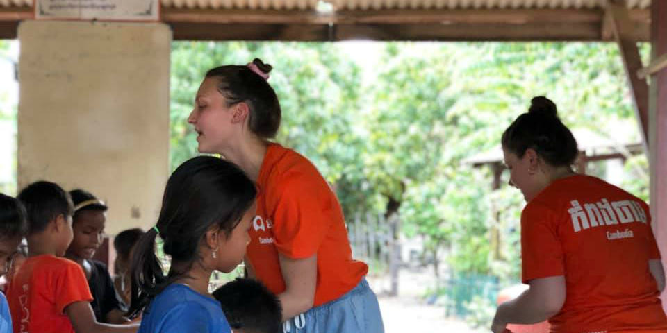 Teen volunteer abroad