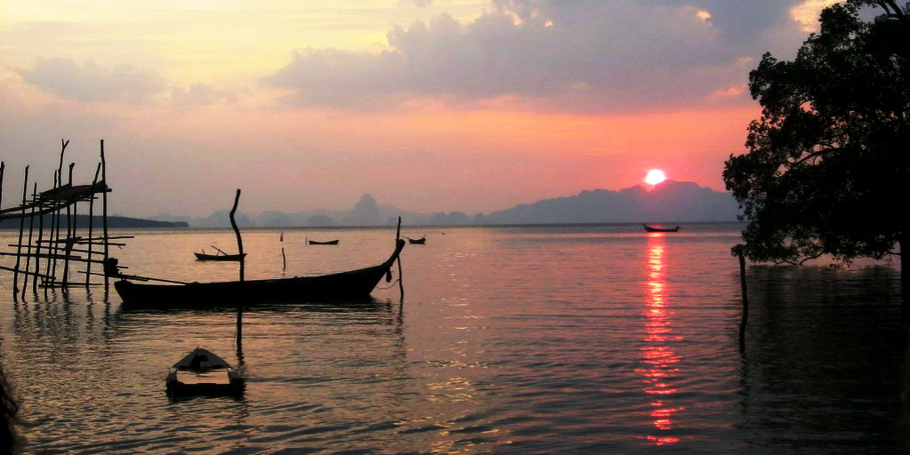 When you volunteer in Phang Nga, take a break and head out along the Andaman Sea to explore.
