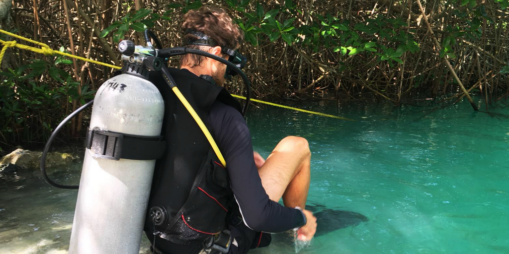 Learn how to scuba dive responsibly with GVI's dos and dont's
