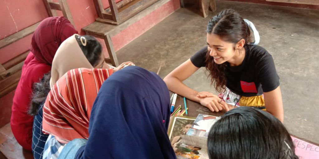 A GVI volunteer working on a women's empowerment program in India