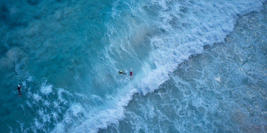 waves on seychelles island